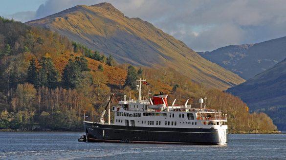 Die MV Hebridean Princess ist ein bekanntes Luxus-Kreuzfahrtschiff vor der Westküste Schottlands