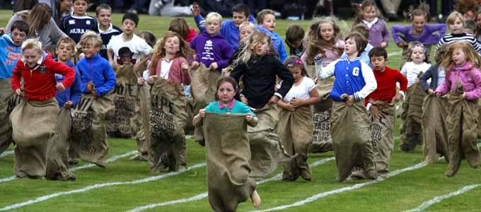 Das Braemar Highland Gathering findet immer am ersten Samstag im September statt