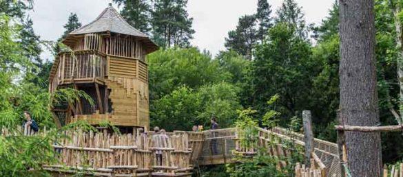 Ein neuer Spielplatz auf dem Gelände von Brodick Castle sorgt für viel Freude bei Groß und Klein