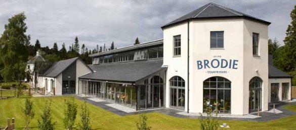 Brodie Countryfare begrüßt seine Besucher mit einem preisgekrönten Restaurant und einer Markthalle bei Forres