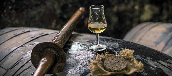 Nordwestlich des Städtchens Brora in Sutherland liegt die Clynelish Distillery