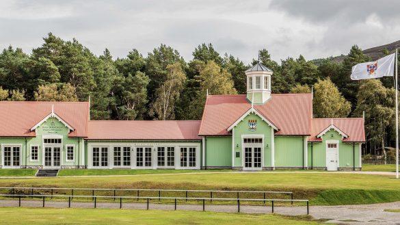 Das Braemar Highland Games Centre ist ganzjährig für Fans der Hochlandspiele geöffnet