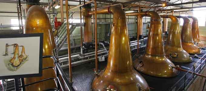 Die Cardhu Distillery bei Knockando in Speyside gilt als die Heimat von Johnnie Walker