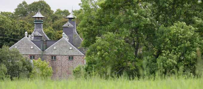 Die nahe gelegene Black Isle liefert die Gerste für die Glen Ord Distillery nordwestlich von Inverness