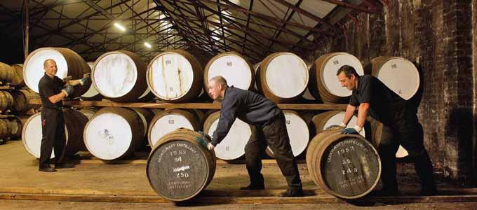 The Glenturret Distillery in Crieff ist eine der ältesten Whiskybrennereien in Schottland