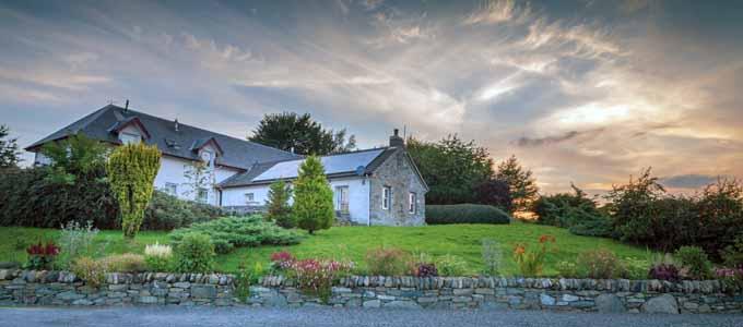 Errichel Cottages bieten eine Auswahl von Ferienhäuser an