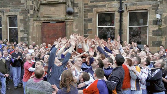 The Ba ist ein Straßenfußballspiel auf Orkney
