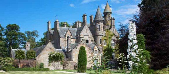 Carlowrie Castle ist ein luxuriöses, exklusives Märchenschloss unweit von Edinburgh