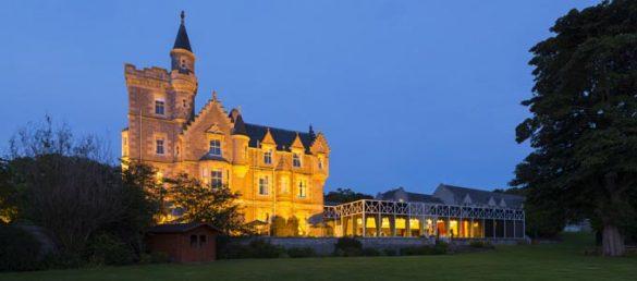 Das Mercure Ardoe House Hotel ist eine der wenigen Schlossunterkünfte in Aberdeen