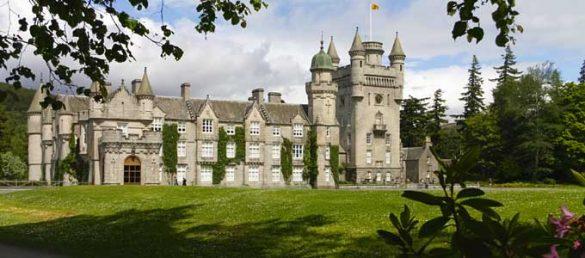 Auf Balmoral Castle in Royal Deeside verbringt die königliche Familie ihre Sommerferien