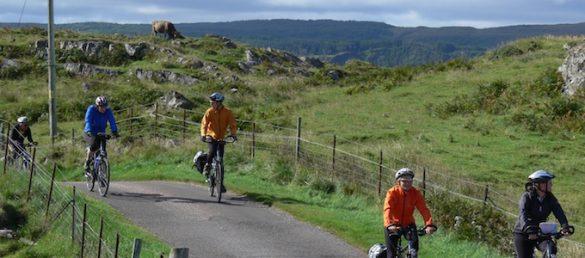 Schottland mit dem Fahrrad zu entdecken bietet eine Fülle von Begegnungen der rauen Art