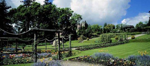 Brodick Castle and Country Park befindet sich etwas außerhalb der Stadt Brodick auf der Isle of Arran