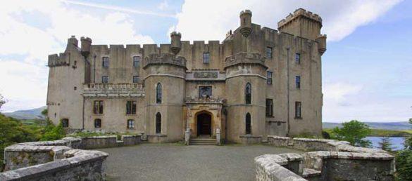 Dunvegan Castle auf der Isle of Skye ist der Stammsitz von dem Clan McLeod