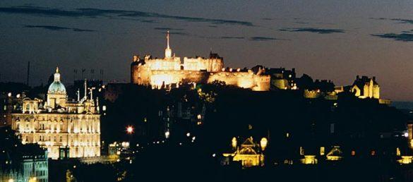 Edinburgh Castle ist das Wahrzeichen der schottischen Hauptstadt