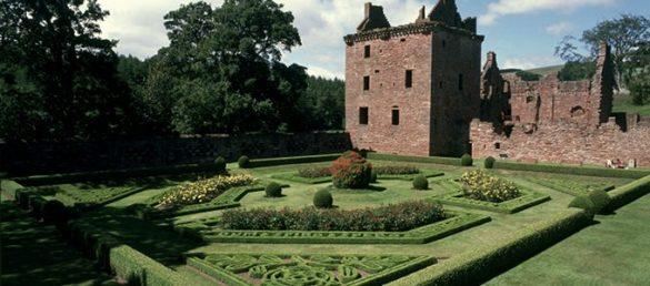 Edzell Castle and Gardens in Angus ist ein Spiegelbild eines feudalen Zeitalters