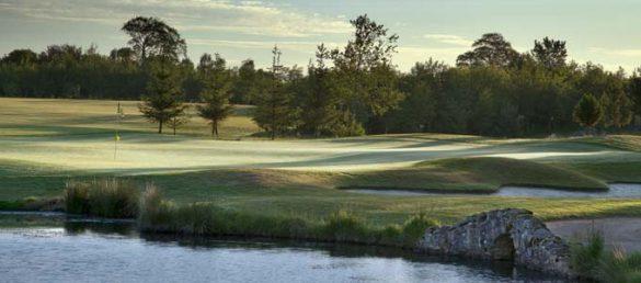 Meldrum House bietet auf dem hoteleigenen Golfplatz eine Golfakademie und ein Schulungszentrum an