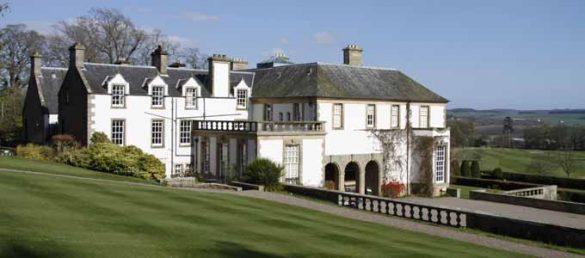 Das elegante Herrenhaus Hill of Tarvit im Kingdom of Fife ist eine der bezauberndsten Villen aus edwardianischer Zeit in Schottland
