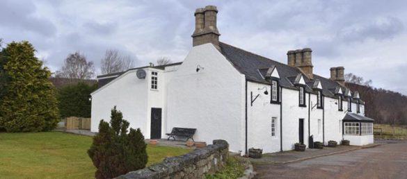 Inver Lodge in Crathie ist eine Selbstversorger-Unterkunft für bis zu 16 Personen in Aberdeenshire