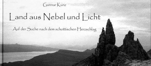 Land aus Nebel und Licht ist der mystische Titel eines Bildbandes aus dem Drachenmond Verlag
