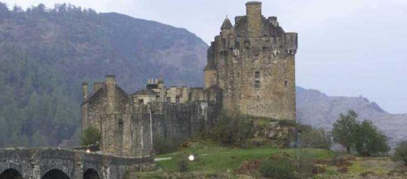 Ein Tagesausflug von Rabbie's Tours ab Inverness führt auf die Insel Skye und zum Eilean Donan Castle