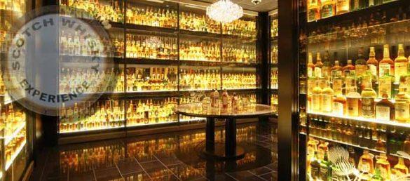 Die Scotch Whisky Experience liegt direkt an der Royal Mile unterhalb von Edinburgh CastleEdinburgh