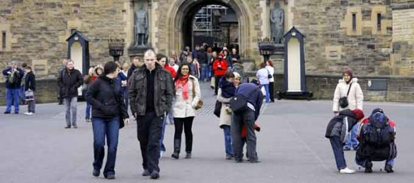Auf der Suche nach einer hochqualifizierten und deutschsprachigen Reiseleitung ist die Scottish Tourist Guides Association immer der richtige Ansprechpartner