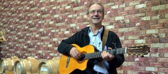 Der schottische Songwriter und Autor Robin Laing wurde in Paderborn vom Musikjournalisten Jens Hausmann interviewt