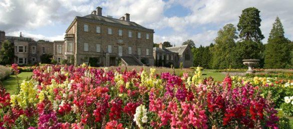 Es gibt eine Fülle von Gärten und Parks in Schottland