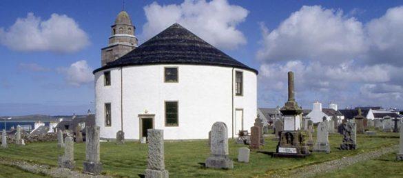 Caledonian MacBrayne Ferries bietet diverse Anreisemöglichkeiten zur Whisky-Insel Islay an