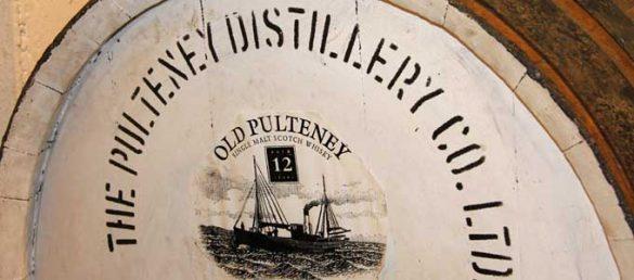 Der Spezialveranstalter REISEKULTOUREN bietet Whiskytouen mit dem Besuch exklusiver Destillerien an