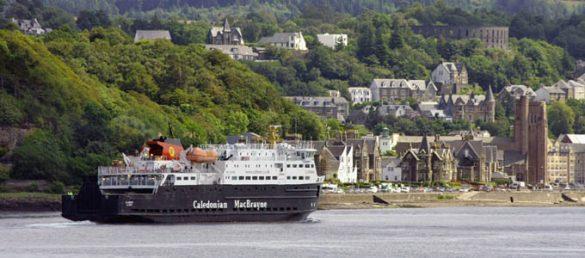 Der Direktor der Reederei Caledonian MacBrayne fordert eine engere Zusammenarbeit im Tourismus