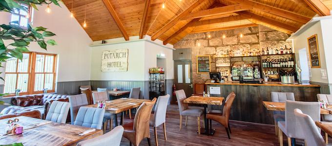 Potarch Lodge ist ein 5-Sterne Selbstversorgerhaus auf dem Ballogie Estate in Royal Deeside