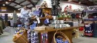 Im Jahr 2015 sind diverse Angebote in den Geschäften und Besucherzentren von Edinburgh Wollen Mill zu finden