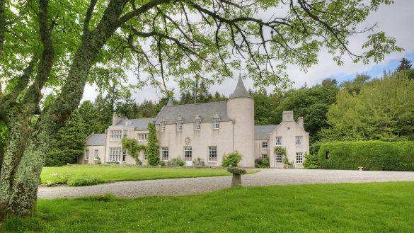 Candacraig ist ein exklusives Herrenhaus mit 12 Gästezimmern in Strathdon/Aberdeenshire