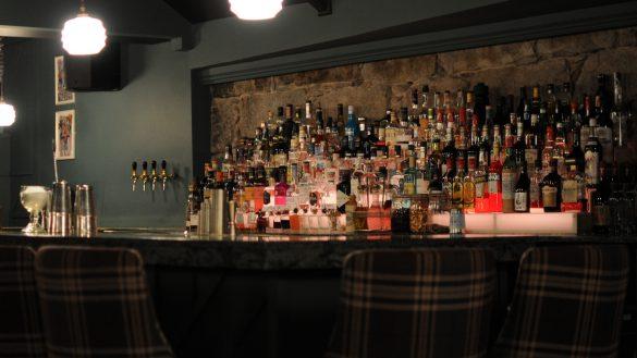 Mit 10 Dollar Shake bietet Adrian Gomes gehobene Gastronomie im Tippling House und in der Steading Bar an