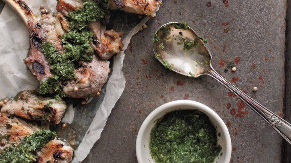 Das Outlander-Kochbuch mit einem Vorwort von Diana Gabaldon bietet mehr als nur Rezepte
